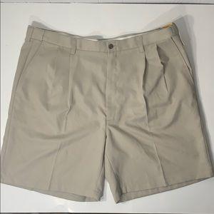NWT Haggar Cool 18 Pleated Front Shorts Sz42
